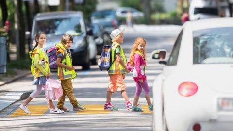 RAD STEHT! – Zum Schutz der Kinder: Nicht nur verlangsamen, sondern ganz anhalten!
